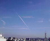飛行機雲… 7月26<br />  日8時05<br />  分