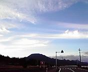 東根山と空…紫波1<br />  6時46分
