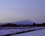 夕暮れの岩手山…矢巾2<br />  月28日17<br />  時42分