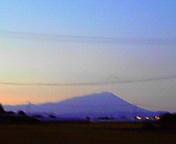 夕暮れの岩手山…永井付近 9月26<br />  日17時35<br />  分