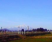 遠く岩手山…矢巾2<br />  月27日14<br />  時36分