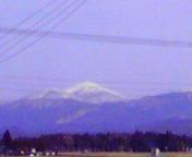 遠くに早池峰山… 3月14<br />  日13時15<br />  分