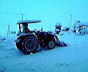 大雪・除雪中…紫波 <br />  12月31日14<br />  時55分
